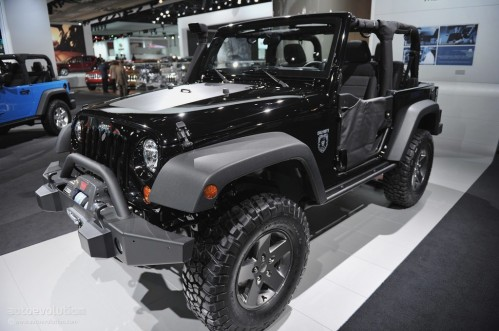 2011-naias-jeep-wrangler-call-of-duty-black-ops-edition-live-photos_3